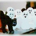 Ghostly Halloween Garland