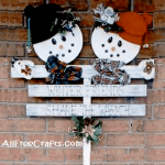 Winter Friends Snowman Stakes