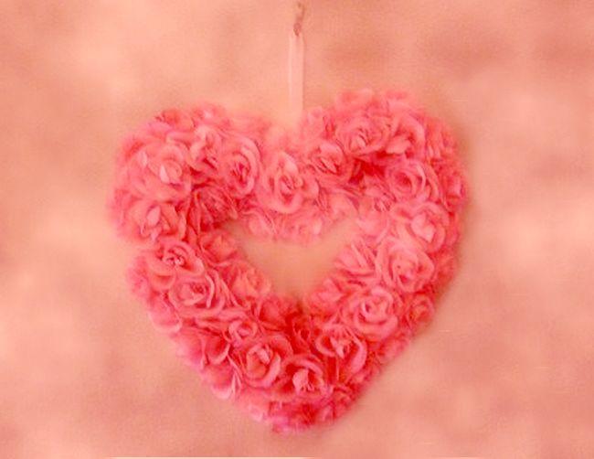 heart of silk roses wreath