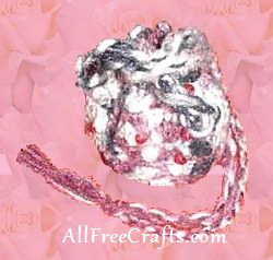 crocheted small bag with pony beads