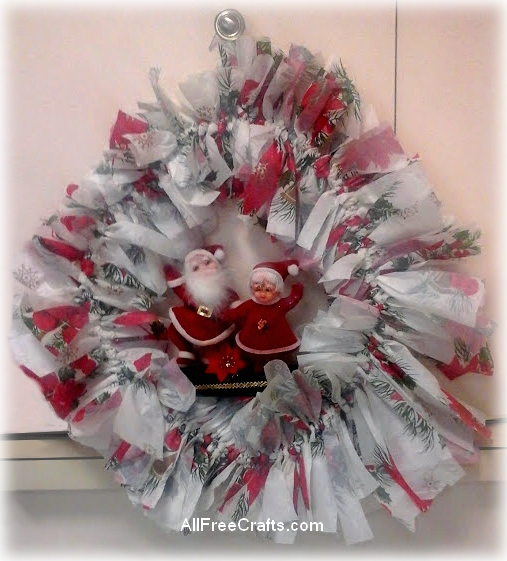 paper tablecloth and coat hanger wreath
