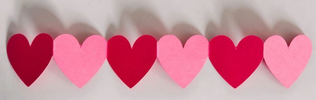 large image of red paper hearts bunting