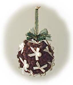 http://www.allfreecrafts.com/christmas/images/pinecone-ball.jpg